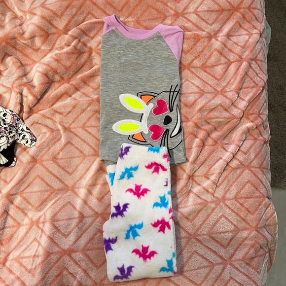 Size 4/5 Soft fuzzy Bat Pajamas
